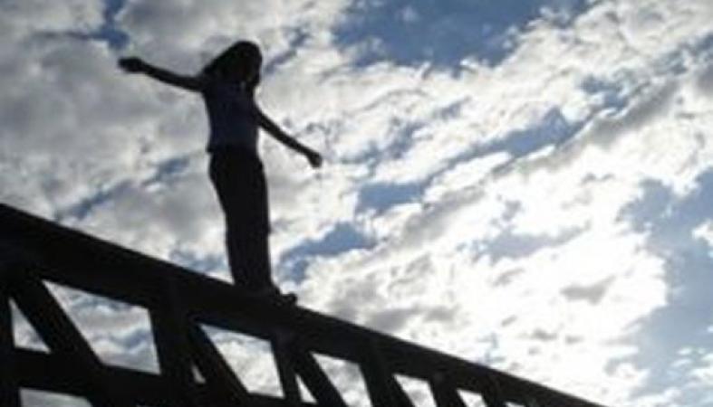Близкий угрожает суицидом